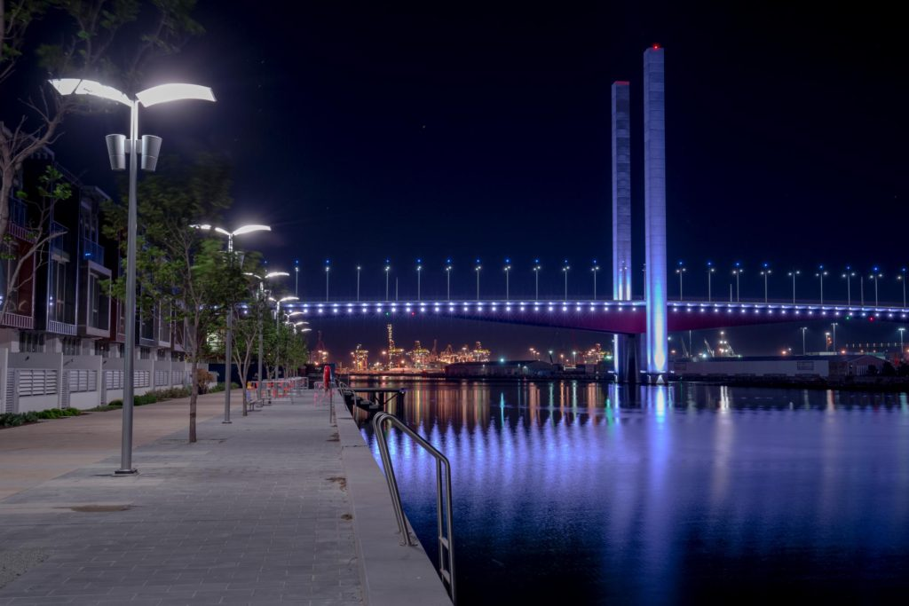 bolte bridge by night