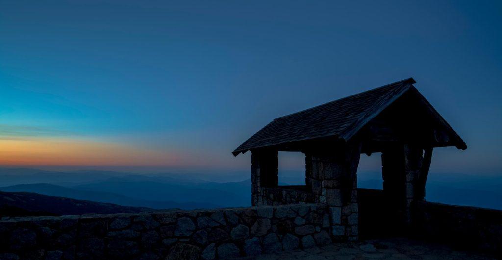 Mt buffalo chalet at sunrise