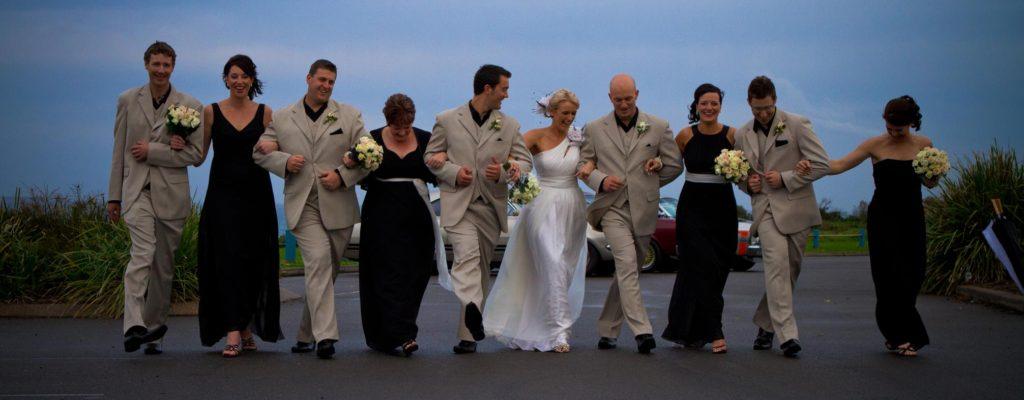 bridal party arm link walk